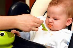 غذا دادن به کودک ۹ روش غذا دادن به کودک که نه نگوید