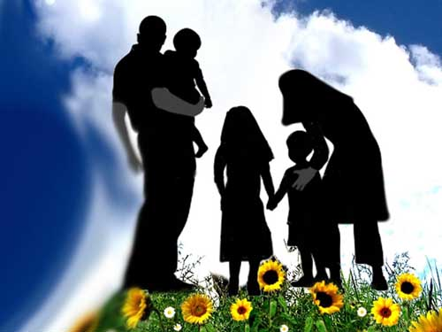 IMG18453749 نقش پدر مهمتر است یا مادر؟