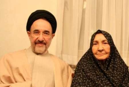 81476257 6224068 سیدمحمد خاتمی برای دیدار با مادر به زادگاه رفت