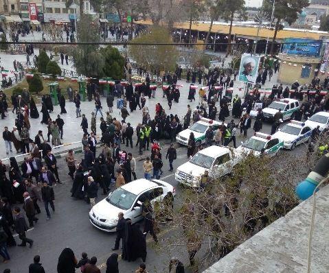 n00021390 r b 002 گزارشهای تصویری / استقبال مردم قم از رئیس جمهور