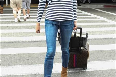JamNewsImage12510734 یک زن بر اثر پوشیدن شلوار تنگ از حال رفت!
