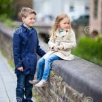 دختر و پسر ناز 150x150 ۹ عکس بسیار تماشایی در یک گالری