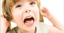 کودک پرخاشگر وقتی کودک داروهایش را نمی خورد