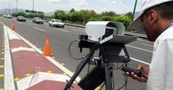 دوربین پلیس مردم چگونه دوربینهای پلیس را دور میزنند؟