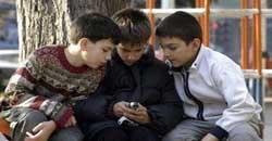 موبایل دانش آموزان و کودکان مضرات استفاده از موبایل قبل از خواب