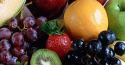 میوه2 این مواد غذایی سرطان را از شما دور میکنند