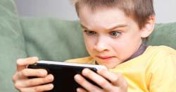 کودک معتاد به بازی و اینترنت آیا کودک شما معتاد به اینترنت است؟