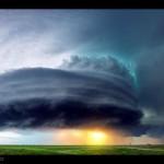 resized 220896 136 150x150 تصاویری زیبا از طوفانهای وحشتناک