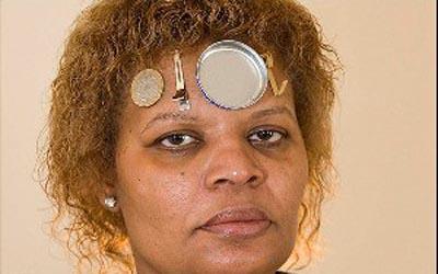 فلز زنی که فلزات را به خود جذب میکند!