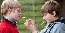 نوجوانان سیگاری چرا نوجوانان سیگاری میشوند؟